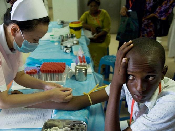Chinese-Doctors-in-Uganda.jpg