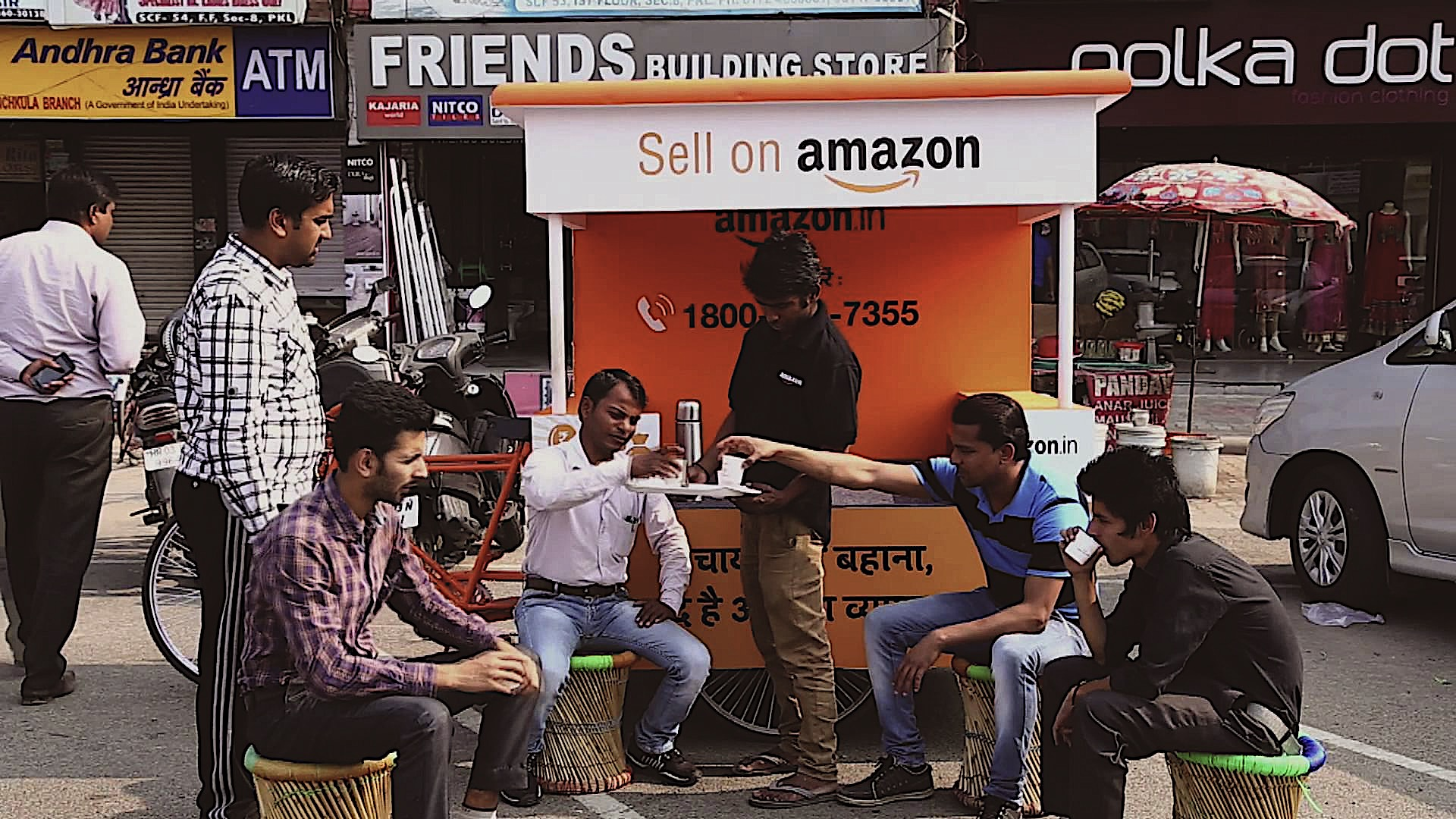 amazon.vs.flipkart.body.jpg